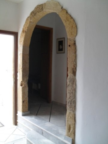 arch towards bedrooms